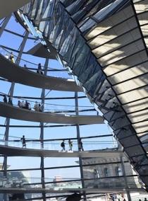 La coupole du Reichstag (parlement) à Berlin